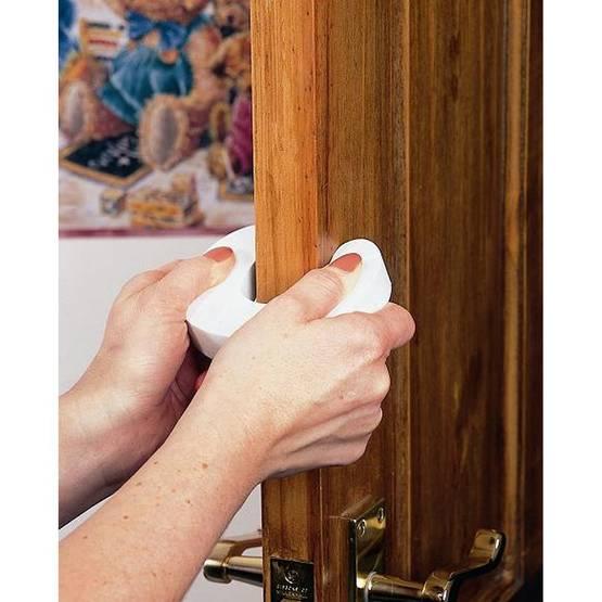 Clippasafe-Door-Stopper-ovistoppari-5015876020514-3.jpg